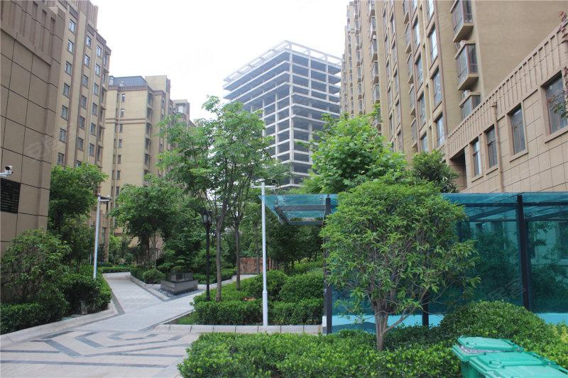 鹤壁龙门印象城-实景图(1) - 鹤壁安居客